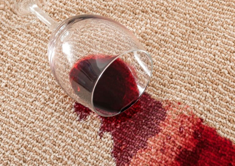 how to remove a wine stain from fabric